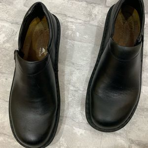 Naot Clogs Womens Black Leather Solid size 39